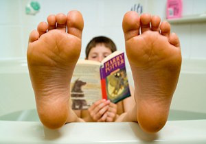 reading-in-the-bath
